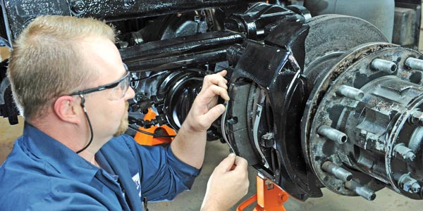 Truck Brakes & Drums Replacement